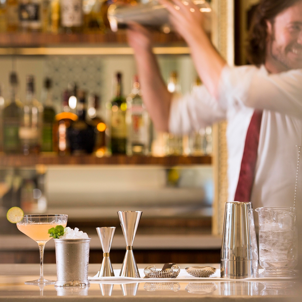 The World's Favourite Cocktails: A Journey with Intercontinental Hotels & Resorts