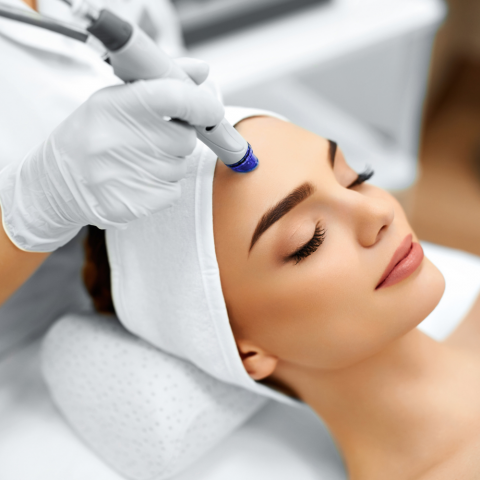 Aesthetic Clinics and Spas in Singapore: Top Facial Treatments for 2021