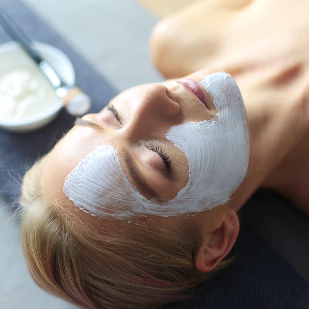 6 Game Changing Facials in Singapore to Up Your Skincare Regime - Thumbnail